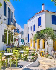 Tinos island (Τήνος) The traditional and very charming Pyrgos village ! Mykonos, Santorini, Cyclades Islands, Greece Islands, Crete Island, Paros, Wonderful Places, Beautiful Places, Tinos Greece