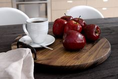 Sometimes close-ups are so good. Serving Bowls, Apple, 3d, Fruit, Tableware, Projects, Apple Fruit, Log Projects, Dinnerware