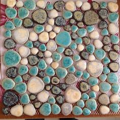 Glazed porcelain tiles cheap pebble tile blue and brown shower wall and floor tiles design heart-shaped ceramic pebbles mosaic PPT004