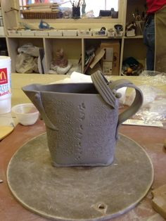 hand building pottery Pottery Mugs, Pottery Ideas, Hand Built Pottery, Ceramic Teapots, Tea Pots, Clay, Ceramics, Building, Watering Cans