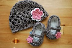 Baby Girl Flower Hat & Mary Jane Booties Set by MaddyMade