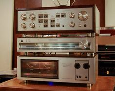 Luxman C-5000 preamp and M-4000 stereo amplifier