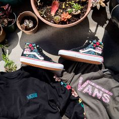 Lizzie Armanto Adds Floral Touch to the Sk8-Hi Pro