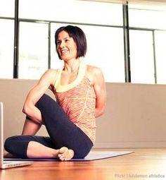 2 Seated Yoga Poses To Kick Piriformis Syndrome'S Butt lower back pain diagnosis Hip Pain Relief, Sciatica Pain Relief, Seated Yoga Poses, Physical Therapy Exercises, Yoga Posen, Massage Benefits, Bad Posture, Medical, Half Marathon Training