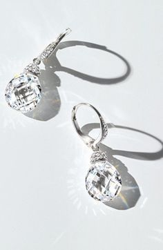 Crystal drop earrings http://rstyle.me/n/ebgs8nyg6