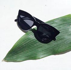 LE SPECS HALFMOON MAGIC #thedashingrider #lespecs #halfmoonmagic #sunglasses