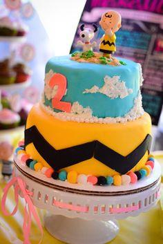 Bolo de aniversário Snoopy e Charlie Brown