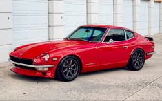 Vintage Sports Cars, Vintage Cars, National Car, Datsun 240z, Japan Cars, Fender Flares, Modified Cars, Jdm Cars, Cool Cars