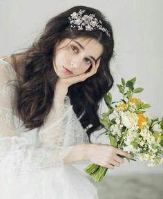 123 stunning wedding makeups and hairstyles for bride to try – page 1 Cute Girl Pic, Cute Girls, Aya Sophia, Ethereal Beauty, Beautiful Girl Image, Girly Pictures, Girls Dpz, Aesthetic Girl, Bride Hairstyles
