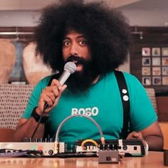 Reggie Watts is a music comic & performance artist. He is amazing and now one of my favourite people of all time! Reggie Watts, Got The Look, Hipsters, Music Bands, Drawing Reference, Soul Food, Comedians, Techno, Afro