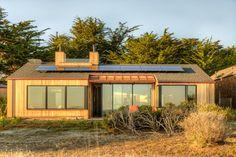 Houzz Tour: Sea Ranch Gets a New LEED Platinum Neighbor