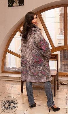 Верхняя одежда ручной работы. пальто женское из павловопосадского платка Лариса. млета. Ярмарка Мастеров. Авторский дизайн