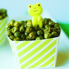30 Healthy and Delicious After-School Snacks. after school snack ideas, healthy after school snacks, good after school snacks Pea Recipes, Baby Food Recipes, Snack Recipes, Toddler Recipes, Veggie Recipes, Roasted Green Peas Recipe, Healthy Snacks, Healthy Recipes, Simple Snacks