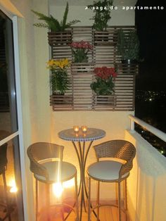 varandas decoradas pequenas coloridas modernas bonitas alegres e diferentes Interior Balcony, Balcony Furniture, Interior Design Living Room, Outdoor Furniture Sets, Outdoor Decor, Small Balcony Design, Small Balcony Decor, Diy Home Decor, Room Decor