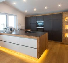 Moderne Küchen bei Gfrerer Küchen in Goldegg, Salzburg - home decor Kitchen Interior, New Kitchen, Kitchen Decor, Quality Furniture, Kitchen Remodel, Home Furniture, Sweet Home, House Design, Interior Design