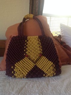 Another macrame purse made for my sister.  Go Noles!