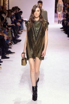 See all the looks from Balmain's Men's collection. Women's Runway Fashion, Fashion News, Balmain Men, Balmain Paris, Mens Fall, Couture Dresses, Party Dress, Fashion Looks, Vogue