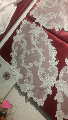 Romanian Lace, Point Lace, White Embroidery, Bargello, Table Toppers, Embroidery Techniques, Doilies, Tatting, Embroidery Designs
