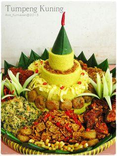 Tumpeng. Indonesian