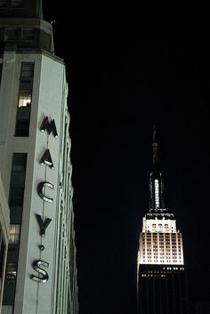 NYC landmarks - yes these 2 are relatively close to each other. Gotta get back down there one of these days! I really miss NYC! New York Landmarks, I Love Nyc, My Kind Of Town, City State, Best Places To Eat, Ciel, Gotham, Empire State Building, Places Ive Been