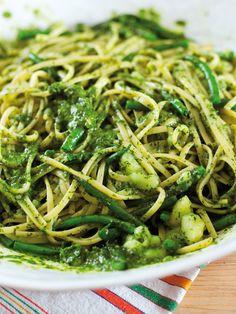 Pasta Alla Genovese Pesto Recipe, Linguine, Pavlova, Pasta Dishes, Italian Recipes, Italian Dishes, Green Beans, Risotto, A Food