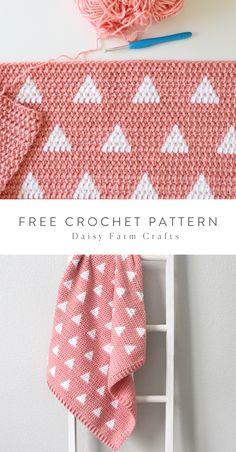 Free Pattern – Crochet Triangles Baby Blanket – Crochet patterns – Home crafts Bag Crochet, Crochet Gratis, Crochet Diy, Manta Crochet, Baby Blanket Crochet, Crochet Blankets, Crochet For Baby, Crochet Ideas, Afghan Crochet Patterns