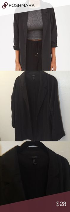 Forever21 oversized boyfriend blazer ⋈ Flowy and silky oversized boyfriend blazer ⋈ Excellent quality considering price and brand ⋈ Size Medium, can fit XS and Small for a more oversized look ⋈ Price is negotiable! Forever 21 Jackets & Coats Blazers