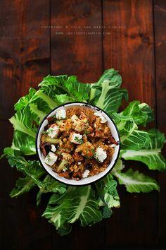 Roasted cauliflower and mushroom quinoa salad / Salată de quinoa cu conopidă,ciuperci şi feta Cauliflower Salad, Roasted Cauliflower, Veggie Recipes, Dinner Recipes, Healthy Recipes, Feta, Mushroom Quinoa, Savory Salads, Quinoa Salad