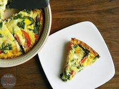 Be the star of the show at Easter Brunch when you serve this delicious quiche packed with fresh flavors on top of a shredded hash brown potato crust! Breakfast Dishes, Breakfast Time, Breakfast Casserole, Breakfast Recipes, Quiche Recipes, Casserole Recipes, Quiche Florentine, Vegetarian Recipes, Cooking Recipes