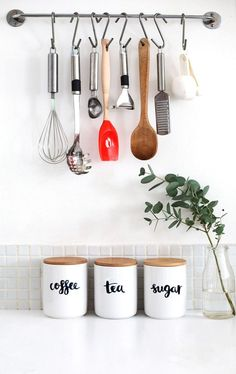 54 New ideas first apartment kitchen decor counter tops Small Kitchen Storage, Kitchen Storage Solutions, Cute Kitchen, Kitchen Decor, Kitchen Ideas, Kitchen Counters, Kitchen Small, Open Kitchen, Kitchen Styling
