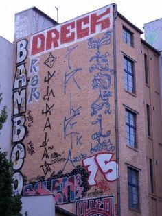 Pichação em lateral de prédio, Operação 12, Cripta Djan e Life(berlin). Pichação brasileira em Berlin (1)