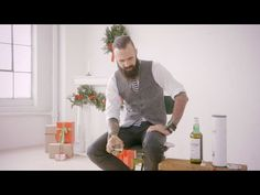 ▶ Laphroaig Opinions Welcome Holiday Edition - YouTube