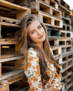"""Anna Von Klinski on Instagram: """"Let go of the illusion that it could have been any different.🕊"""" Brown Hair Green Eyes Girl, Anna, Cool Outfits, Fashion Outfits, Female Models, Fashion Beauty, Woman Fashion, Going Out, Instagram"""