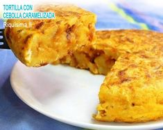 potato omelette stuffed with cheese and caramelized onion - Chow Time! Vegan Vegetarian, Vegetarian Recipes, Omelette, Chow Chow, Caramelized Onions, French Toast, Potatoes, Cheese, Empanadas