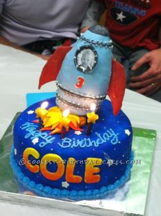 Out-of-This-World Rocket Ship Cake... This website is the Pinterest of birthday cake ideas