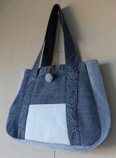 Denim Front Pocket Handbag Fabric Straps Button & by AllintheJeans Denim Backpack, Denim Tote Bags, Denim Purse, Denim Patchwork, Patchwork Bags, Quilted Bag, Denim Handbags, Denim Crafts, Recycled Denim
