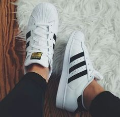 yezi scarpe adidas prezzo