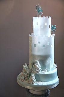 Castle cake, Winter castle cake, Torta castello in pasta di zucchero e wafer paper, Wafer paper, Torta castello d'Inverno