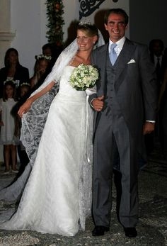 No. 23 Shining in this overall lace dream is Tatiana Blatnik in a strapless white Angel Sanchez gown at her wedding with Prince Nikolaos of Greece. Island of Spetses, Aug 2010