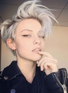 Short Hairstyles for Women with Thin Hair - Styles Art