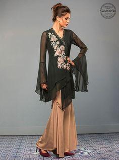Zainab Chottani Jade green mist Eid Pret 2017 Price in Pakistan famous brand online shopping, luxury embroidered suit now in buy online & shipping wide nation. Pakistani Fashion Casual, Pakistani Dress Design, Pakistani Outfits, Indian Fashion, Pakistani Couture, Stylish Dresses, Casual Dresses, Fashion Dresses, Indian Designer Outfits
