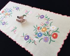 Etsy :: Your place to buy and sell all things handmade Vintage Table Linens, Vintage Tablecloths, Create Yourself, Finding Yourself, Image Form, Hungarian Embroidery, Satin Stitch, Elsa, Etsy Seller