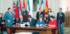 Av Terje Alnes EØS-avtalen er ingen handelsavtale, men en importkanal for nyliberalistisk politikk. Europas sosialdemokratiske partier, inkludert det norske Arbeiderpartiet, er pådrivere for en utv…