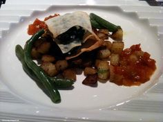 At Vegetaria: Spinache-Galette on hash brownies with green beans