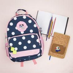 Máte doma prváka a stres z nového prostredia prežévate spolu s ním? Zhrnuli sme pre vás niekoľko vecí, ktoré vám obom nástup do školy uľahčia. Fashion Backpack, Backpacks, Blog, Women's Backpack, Blogging, Backpack, Backpacking