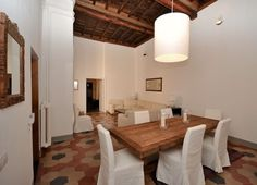 Apartment in Rome, Italy. Unique and stylish 4 bedroom, 250 sq meters and 4 meters high ceilings apartment, located literally in the heart of Rome, at Via dei Banchi Nuovi, a street full of shops, restaurants, bars and history!! Located on the first floor ( no elevator) in...
