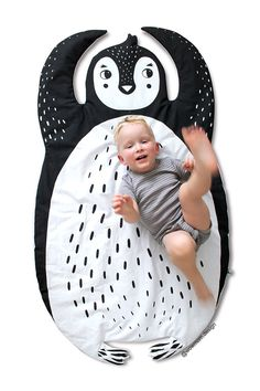 PENGUIN BLANKET & Play Mat / baby floor mat / Rug / Nursery Decor / Handprinted by WOWMOMdesign on Etsy https://www.etsy.com/listing/490302979/penguin-blanket-play-mat-baby-floor-mat