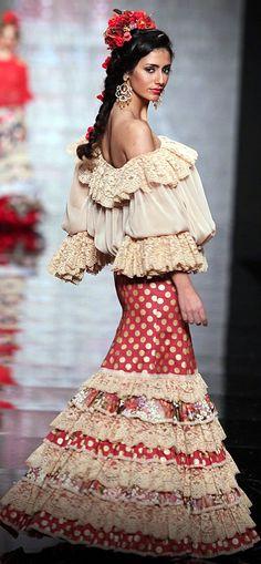 MODA FLAMENCA 2 - Atelier Rima, Simof 2015 /  MODA FLAMENCA 15 -Wappíssima - Simof 2011 - Vicky Martin Berrocal - Colección Sueño Flamenco
