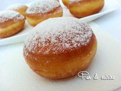 Salam Alaykom, je vous propose de délicieux beignets sucrés, légers, bien gonflés et vides à l'intérieur. avec une pâte trés simple à réaliser. Ingrédients: 300g de farine 2 càs de sucre 1 càs rase de levure boulangère (6g) 1 pincée de sel 1 càc de zeste...