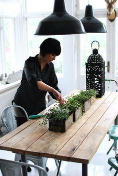 xo Love table + tolix + plants !